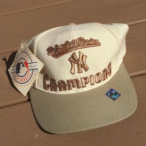1998 Yankees World Series Logo 7 Snapback Hat
